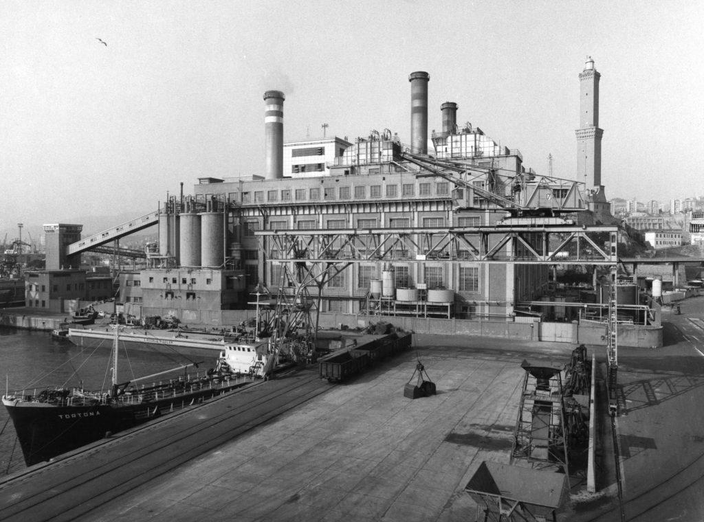 Centrale termoelettrica del porto di Genova anni '50