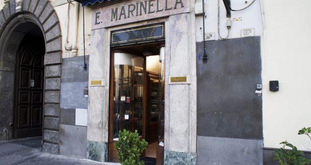 E. Marinella, l'ingresso del negozio storico di Napoli